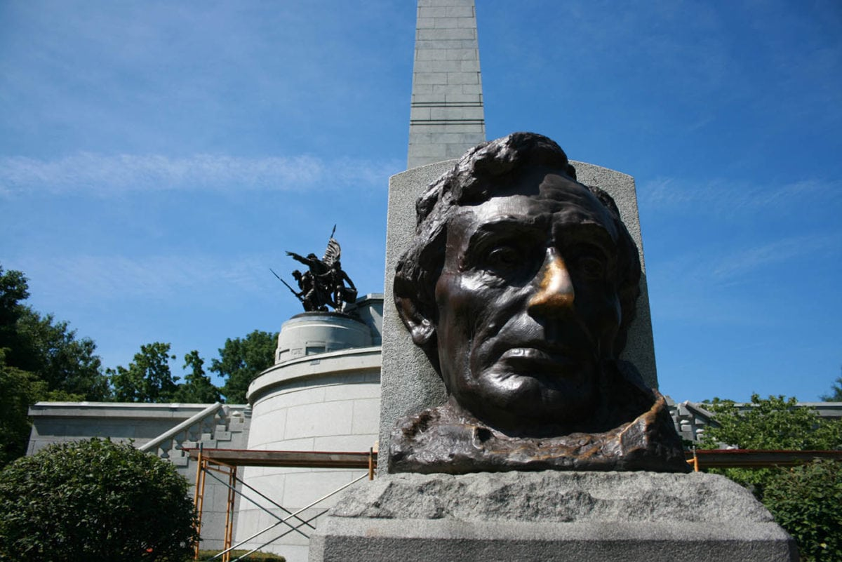 ? Abraham Lincoln's Lucky Nose in Springfield, Illinois