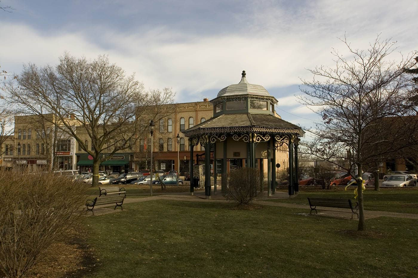 Woodstock Square/Gobbler's Knob - Groundhog Day Movie Filming Locations in Woodstock, Illinois
