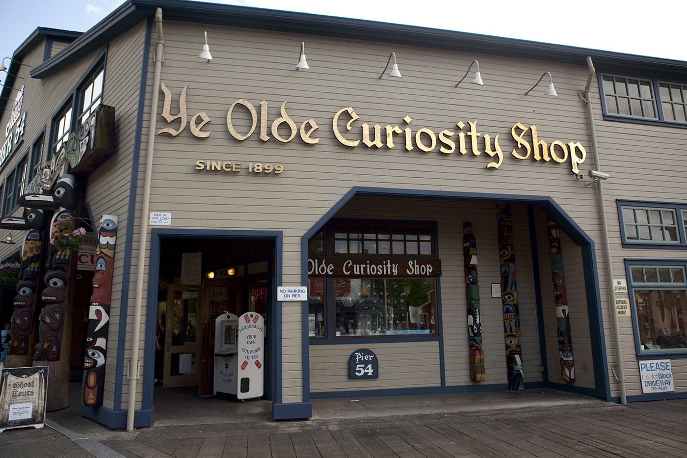 Ye Olde Curiosity Shoppe in Seattle, Washington