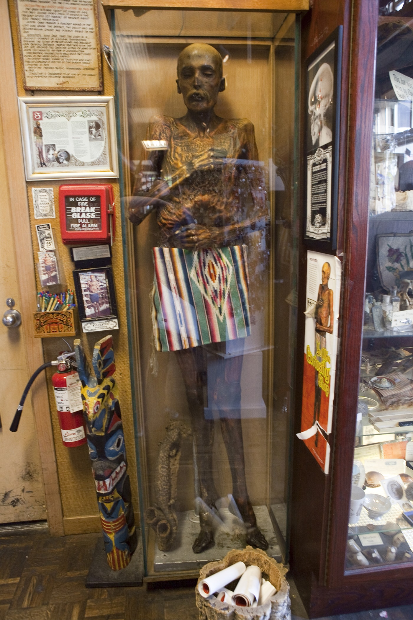 Mummified man at Ye Olde Curiosity Shoppe in Seattle, Washington