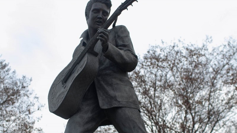 Statue of Elvis in Memphis, Tennessee