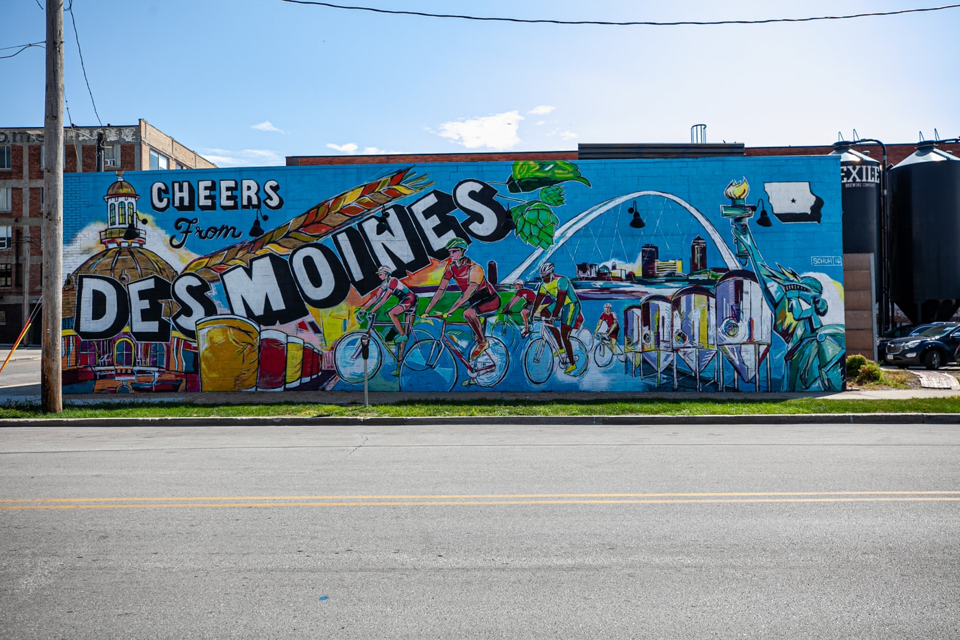 Cheers from Des Moines Mural in Iowa | Iowa Murals in Des Moines | Street Art