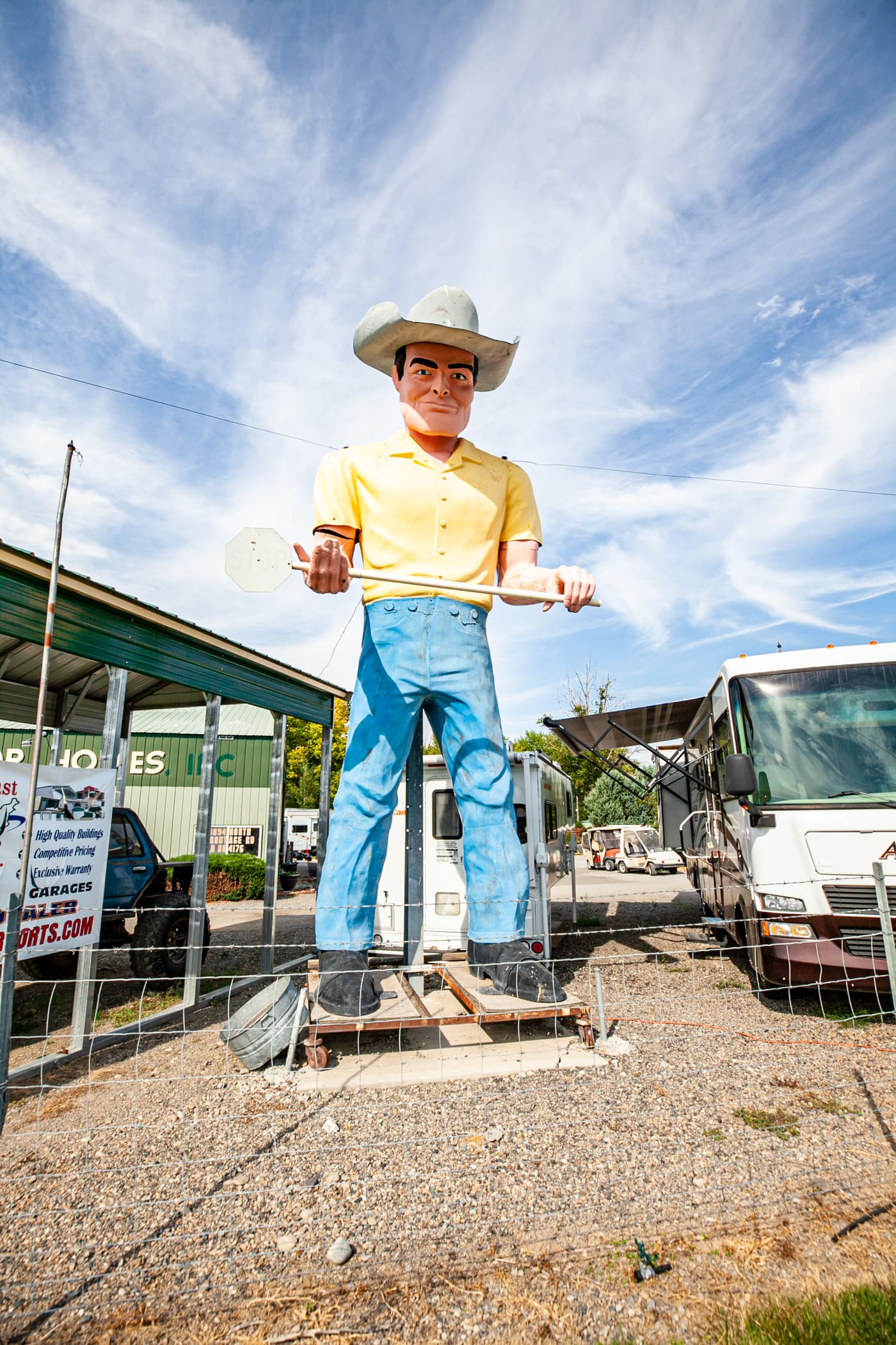 Cowboy Muffler Man in Wendell, Idaho | Idaho Roadside Attractions