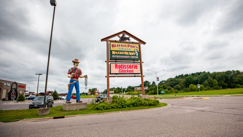 Giant Fiberglass Cowboy Statue in Wisconsin Dells | Wisconsin Dells Muffler Man and Roadside Attractions in Wisconsin