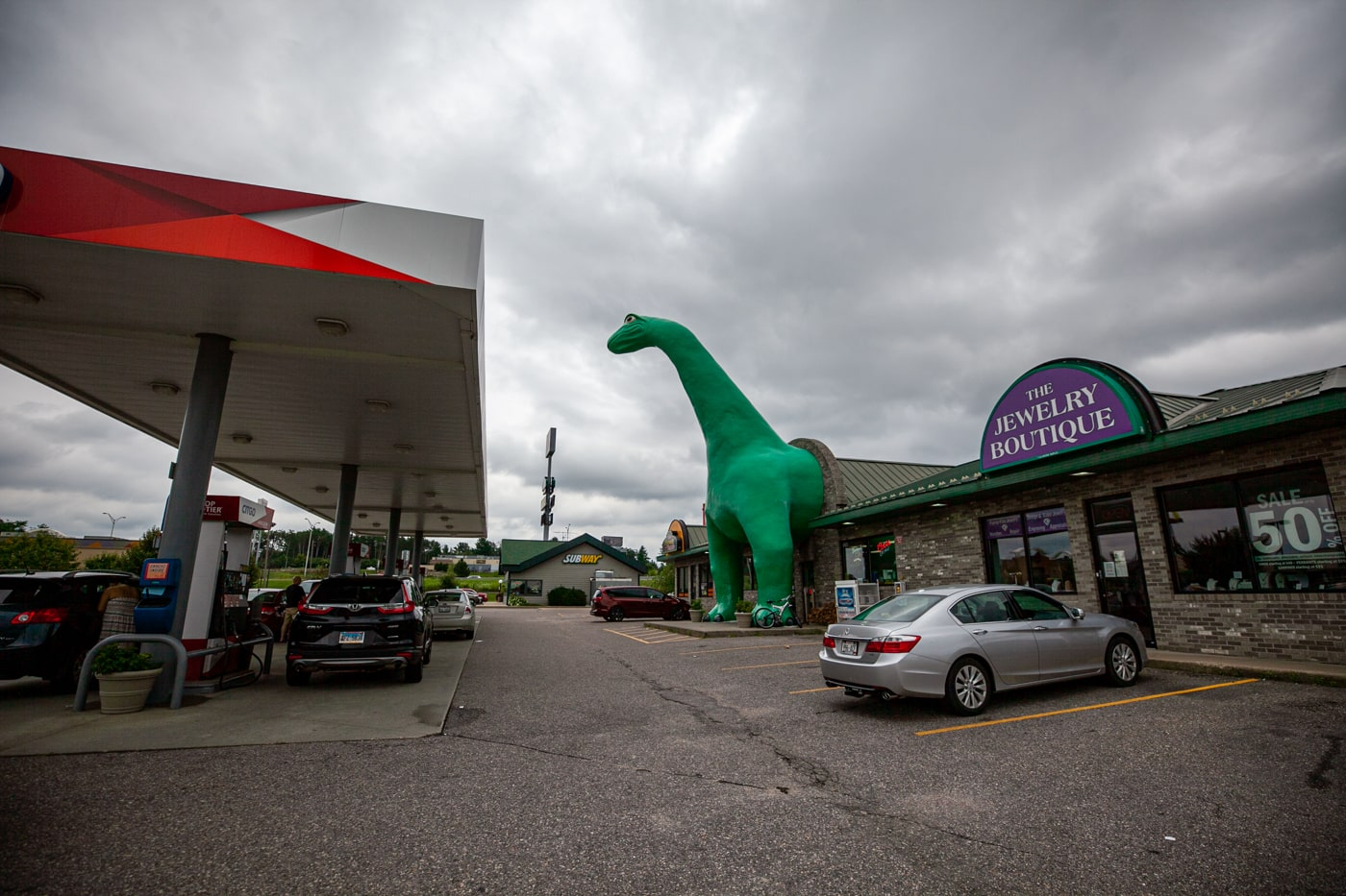 Giant Sinclair Dinosaur in Wisconsin Dells | Wisconsin Roadside Attractions