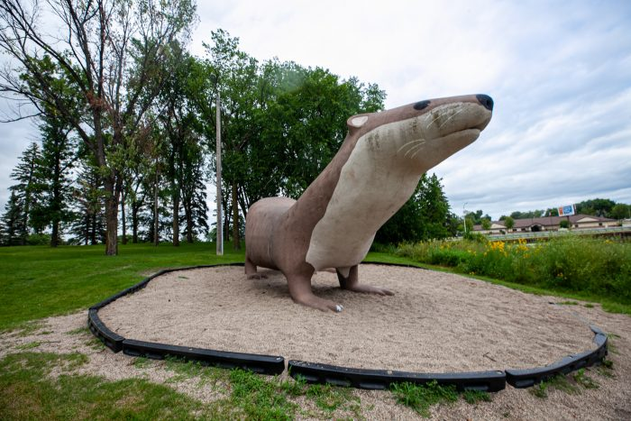 Otto the Otter: Giant Otter in Fergus Falls, Minnesota - Minnesota roadside attractions