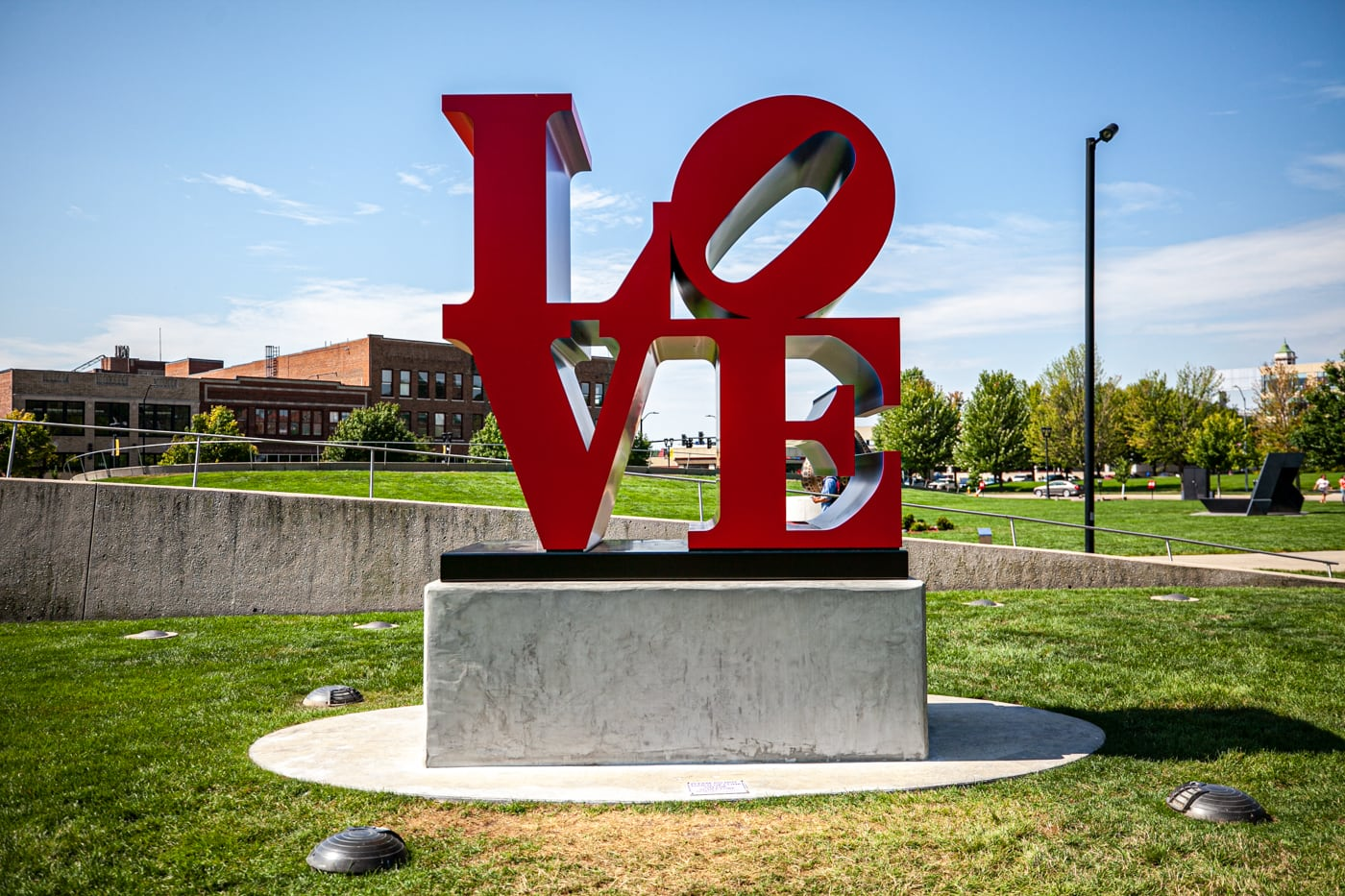 LOVE by Robert Indiana | Pappajohn Sculpture Park in Des Moines, Iowa