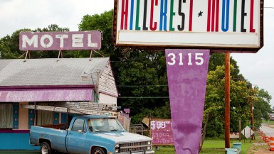 The best Alabama roadside attractions to visit on an Alabama road trip. Add these roadside oddities to your travel bucket list, itinerary, or route map!