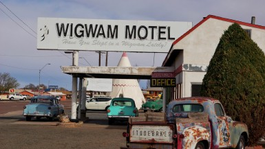 The best Arizona roadside attractions to visit on an Arizona road trip. Add these roadside oddities to your travel bucket list, itinerary, or route map!