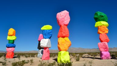 The best Nevada roadside attractions to visit on a Nevada road trip. Add these roadside oddities to your travel bucket list, itinerary, or route map!