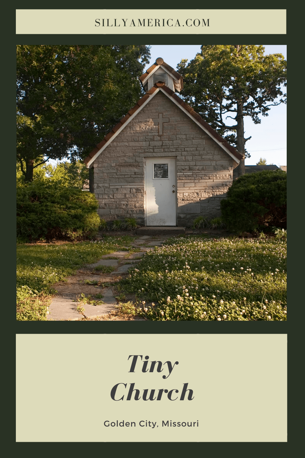 The Tiny Church in Golden City, Missouri can be found in the town's small park. It was build in the 1950s or 60s by a local boy scout troop. #MissouriRoadsideAttractions #MissouriRoadsideAttraction #RoadsideAttractions #RoadsideAttraction #RoadTrip #MissouriRoadTrip #MissouriRoadTripMap #PlacestoVisitinMissouri #MissouriRoadTripIdeas #MissouriTravelRoadTrip
